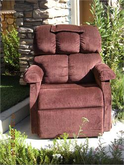 Used - Comforter Extra Wide Lift Chair - 325lb Capacity - Rented 2 Twice